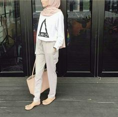 What's Trending Now – 34 Summer Outfits Ideas Hijab fashion casual. Pink, white, khaki The Best of casual outfits in Hijab Casual, Hijab Chic, Casual Outfits, Hijab Fashion Casual, Ootd Hijab, Trendy Fashion, Fall Outfits, Vintage Fashion, Muslim Fashion
