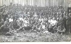 Army contigents and civilians | saskhistoryonline.ca