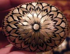 Egg Crafts, Easter Crafts, Arts And Crafts, Types Of Eggs, Straw Art, Egg Shell Art, Carved Eggs, Ukrainian Easter Eggs, Faberge Eggs
