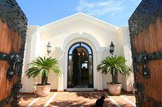 Villa for Sale in Estepona, Costa del Sol. Click on pic for more information.
