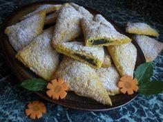 MRKVOVÉ ŠÁTEČKY S POVIDLY Bread, Type 3, Ethnic Recipes, Theater, Facebook, Brot, Theatres, Baking, Breads