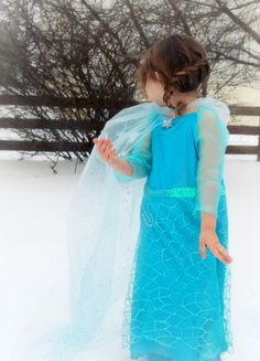 DIY Elsa Dress from Disney's Frozen. Isabelle has been begging for one. Not spending that kinda money on something so cheaply made as the toy section outfits. I'll try a DIY version!