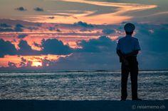 Dinarobin Beachcomber Golf & Spa Resort – ein kleines Fleckchen Paradies auf Mauritius  #Mauritius #Dinarobin #beach Mauritius, Strand Resort, Golfer, Tired Eyes, White Sand Beach, Spa, Vacation, Ocean, Paradise