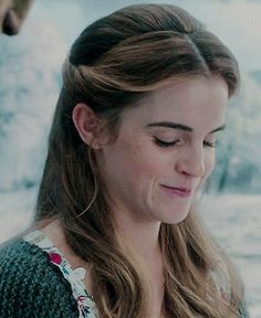God, I love Emma Watson Emma Thompson, Hermione, Emma Love, Emma Watson Cute, Belle Hairstyle, Emma Watson Sexiest, Belle Beauty And The Beast, Woman Crush, Celebs