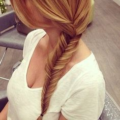 gawd... I wish I could my hair like this. Have to grow it longer first (wink). Really gorgeous ♥