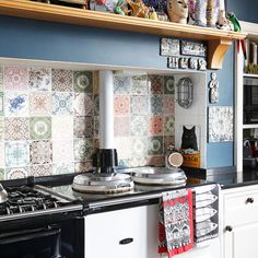 Kitchen splashbacks don't have to be boring. Check out these stylish kitchen splashbacks from housetohome.co.uk. They're bound to make a statement in your kitchen.