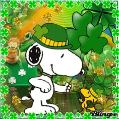 Snoopy & Woodstock on St Patricks day - Pinned Peanuts Cartoon, Peanuts Snoopy, Snoopy Und Woodstock, Snow Gif, Snoopy Pictures, Snoopy Images, Funny Pictures, Blog Pictures, Greetings Images