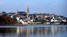 Pont-Croix, autrefois petit port actif en haut de la rivière du Goyen. Finistère.  Brittany