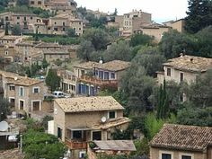 Private village house to rent for holidays in Deia, Mallorca (Majorca) Village Houses, Majorca, Renting A House, Holidays, Mansions, House Styles, Home Decor, Holidays Events, Decoration Home