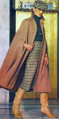 Temporada 1979 Argentina late 70s wool outfit skirt matching hat suit cape coat jacket turtleneck sweater knit wool plaid tan brown black boots late 70s era vintage fashion