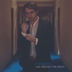http://polyprisma.de/wp-content/uploads/2016/05/K-essence_We_Prefere_The_Night-1024x1024.jpg K-essence - We Prefer The Night http://polyprisma.de/2016/k-essence-we-prefer-the-night/ Der Soundtrack nach der Nacht Wenn Du am frühen Morgen aus Deinem Lieblingsladen taumelst, aufgeladen mit den Erlebnissen der hinter Dir liegenden Stunden, mit den Gedanken an Deine beinahe erfolgreichen Versuche bei jemandem zu landen, dann drückt die Stille am meisten. Dieses Gefühl in pl.