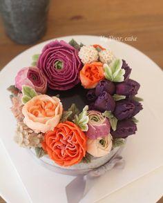 - Bean cream flower cake ✨ - #flowercake #koreacake #decocake #cakedesign…