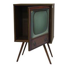 Buffet Retro 0119 Old TV 1 Porta Nogal.     - MDF BP 15mm; - Impressão UV; - Aplicação de verniz e pés palitos.