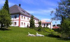 Bayerischen Wald: 3 bis 5 Tage für Zwei mit Halbpension, Sauna-Nutzung und Gästekarte im Seehotel Hohenau ab 137 €