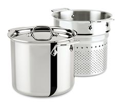 All-Clad's Stainless 4807 7-Quart pasta pentola, a 7-Quart stock pot designed with a colander insert, enables easy lifting and draining of cooked pasta. This essential pan may also be used for steaming and blanching a variety of foods, including vegetables and shellfish. Additionally, making stocks becomes effortless by adding meat, seasoning and other ingredients to