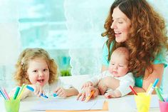 Conciliación Laboral y Familiar: Consejos para buscar la mejor niñera. http://generacionnatura.org/noticias-positivas/consejos/1284-consejos-encontrar-mejor-ninera.html