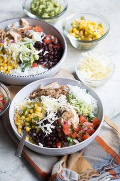 Tonight, stay in and build your own Chipotle Burrito Bowl with the copycat recipes you know and love. It's great for mealtime when you want fresh food fast. Chipotle Recipes, Veggie Recipes, Mexican Food Recipes, Cooking Recipes, Ethnic Recipes, Smoker Recipes, Rib Recipes, Veggie Food, Mexican Dishes