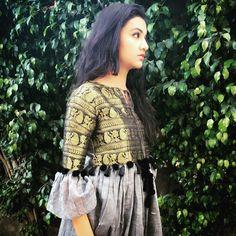 Kurtis neck designs for your stylish look - Simple Craft Ideas Pakistani Dresses, Indian Dresses, Indian Outfits, Sari, Saree Dress, Indian Attire, Indian Ethnic Wear, Kurta Designs, Blouse Designs