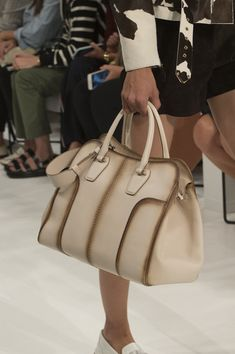 Tod'S at Milan Fashion Week Spring 2018 - Details Runway Photos