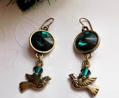 Emerald Crystal Dove Earrings Emerald Bronze Rivoli Earrings Bronze Dove Earring Gift for Her Creative Christmas Gifts, Holiday Gifts, Vintage Gifts, Vintage Items, Christmas Shopping, Christmas 2017, Gifts For Her, Great Gifts, Peace Dove