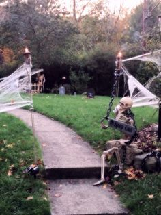 outdoor yards halloween decorations home for halloweenpinterest halloweenhalloween yard