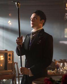 Robin Lord Taylor as Oswald Cobblepot on Fox's Gotham Gotham City, Jerome Gotham, Robin Lord Taylor, Gotham Episodes, Full Episodes, Gotham Season 2, Anthony Carrigan, Riddler Gotham, Penguin Gotham