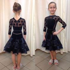 Катюша, удачи!!! (Уехало соревноваться в Киев новое рейтинговое платьице с двумя юбочками) #рейтинговоеплатьеназаказ #рейтинговоеплатье #дизайнплатьевпошив #латина #горошки #бальныетанцы #ballroomdress ballroomdance #дизайн ##dancesportmoda