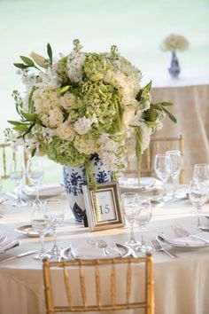 blue and white ginger jars with designs by jordan payne events | jordanpayneevents.com