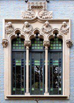 Casa de la Lactància    Architects: Antoni de Falguera i Sivilla & Pere Falqués i Urpí. Sculpture: Eusebi Arnau i Mascort. Photo taken in Sant Antoni, Barcelona, Catalonia, by Arnim Schulz