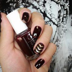 @viviany07 #filhaunica #vegas_nay #maisvoce #lucinhabarteli #supervaidosa #manicure #inlove#essie #nailsdone #nailsoftheweek #unhas