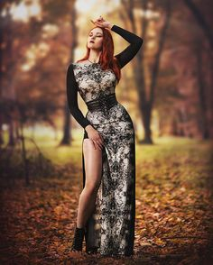 🔥💓🌋🔥� Goth Girls, Renaissance Dresses, Medieval Dress, Dark Fashion, Gothic Fashion, Romantic Goth, Goth Dress, Goth Model, Cosplay Dress