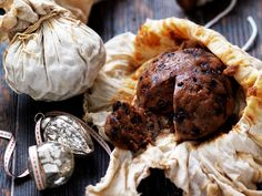 Individual boiled Christmas puddings recipe - By Australian Women& Weekly, Nothing says the festive season quite like Christmas pudding - dense, moist and loaded with delicious dried fruit. Best Christmas Pudding Recipe, Traditional Christmas Pudding Recipe, Traditional Christmas Food, Xmas Pudding, Keto Pudding, Avocado Pudding, Chia Pudding, Pudding Recipes, Cake Recipes