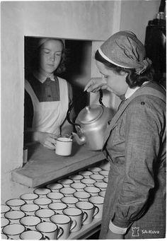 History Of Finland, Vintage Nurse, Women's History, Female Images, World War Two, Nurses, Denmark, Norway, Sweden