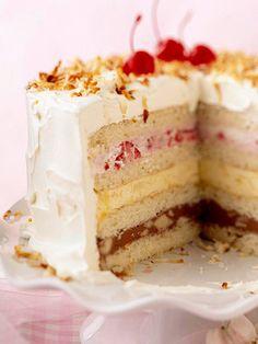 Old-Fashioned Ice Cream Sundae Cake selber machen ice cream cream cream cake cream design cream desserts cream recipes Ice Cream Treats, Ice Cream Desserts, Frozen Desserts, Ice Cream Recipes, Just Desserts, Frozen Drinks, Frozen Treats, Elegant Desserts, Cupcakes