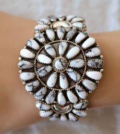 NAVAJO STERLING SILVER WHITE BUFFALO TURQUOISE CLUSTER CUFF