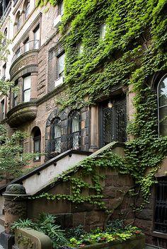 Brownstone, Upper East Side NYC by 1hr photo, via Flickr