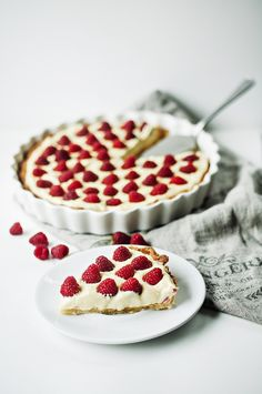Roses in the Oven: Lemon mascarpone tart with raspberries