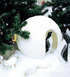 Styroporkugel mit Deko-Schnee