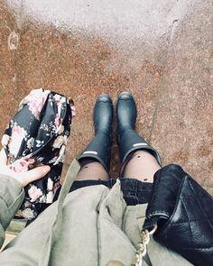 Hunter boots + polka dot tights Polka Dot Tights, Polka Dots, Vogue Fashion, Hunter Boots, Rubber Rain Boots, Fox, Horseback Riding, Trousers, Polka Dot