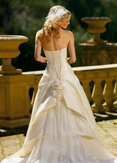 My wedding dress MUST have a lace-up back... NO zippers