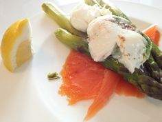Smoked Salmon / poached egg with basil, chili and celery leaves / green asparagus with lemon-butter-sauce (Recipe originally from Jamie Oliver)