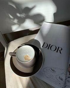 Coffee Shop Aesthetic, Cream Aesthetic, Classy Aesthetic, Aesthetic Food, Coffee And Books, Coffee Love, Coffee Break, Morning Coffee, Coffee Mornings