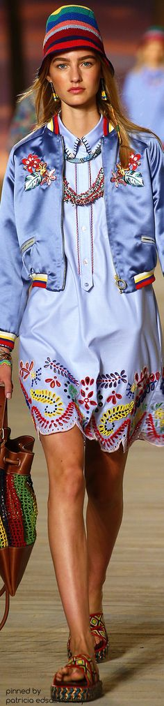 Tommy Hilfiger Spring 2016 Ready-to-Wear Fashion Show Floral Fashion, Blue Fashion, Fashion Wear, Colorful Fashion, Runway Fashion, Fashion Show, High Fashion, Fashion Outfits, Fashion Design
