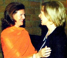 Frida meets her friend Queen Silvia at a Mentor Gala in May Frida Abba, Most Beautiful, Beautiful Pictures, Queen Silvia, Ballet, Metalhead, Sweden, Fangirl, Idol