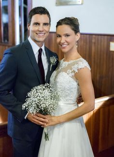 """Check out photos from the Hallmark Channel movie """"Autumn Dreams,"""" starring Jill Wagner and Colin Egglesfield."""