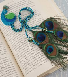 Peacock Bookmark How-To from joanns