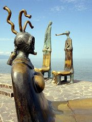 La Rotonda del Mar (h.m1505) Tags: mxico puerto mar jalisco vallarta malecn