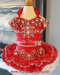 Gorgeous Custom Design attire for children teens, miss. See on Toddlers and Tiaras, natural to Glitz attire. Glitz Pageant Dresses, Pageant Wear, Beauty Pageant, Little Girl Dresses, Flower Girl Dresses, Flower Girls, Toddlers And Tiaras, Girls Party Dress, Party Dresses