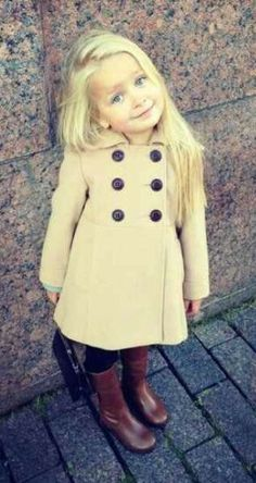 Girl toddler fashion…this little girl is the blonde version of my little girl. So Cute Baby, Cute Kids, Cute Babies, Cute Toddlers, Fashion Kids, Toddler Fashion, Winter Fashion, Cheap Fashion, Korean Fashion