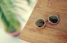 Round Sunglasses, Fashion, Recipes, Blouses, Moda, Round Frame Sunglasses, Fashion Styles, Fashion Illustrations
